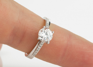 What is a Promise Ring? The Meaning & Purpose of Promise Rings