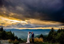 A Beautiful & Charming Mountain Wedding