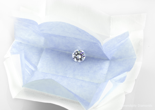 How to spot a real diamond from a fake diamond