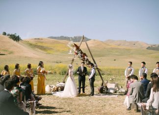 California Hills Ranch Wedding in Hues of Terracotta & Brick ⋆ Ruffled