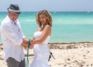 What's Included in Playa del Carmen Vow Renewal Packages?