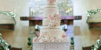 Just a Little Bit of Glamour — Carrie's Cakes by Alessandra