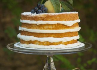 Fall in Love with Naked Cakes — Carrie's Cakes by Alessandra