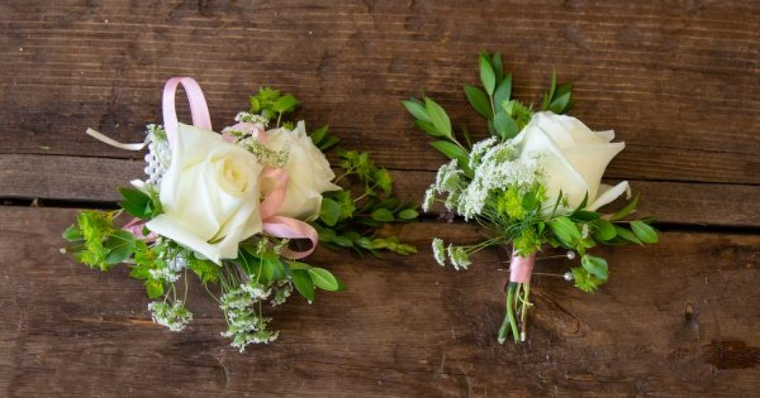 Wedding Series: How to Make A Boutonniere and Corsage