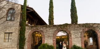 A Magical Wedding that Evokes a Rustic Villa Feel