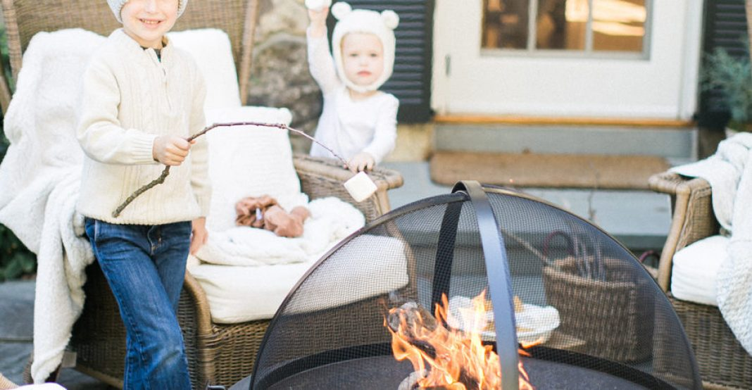 How to Keep Your Guests Warm During Your Outdoor Thanksgiving