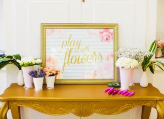lets play with flowers station